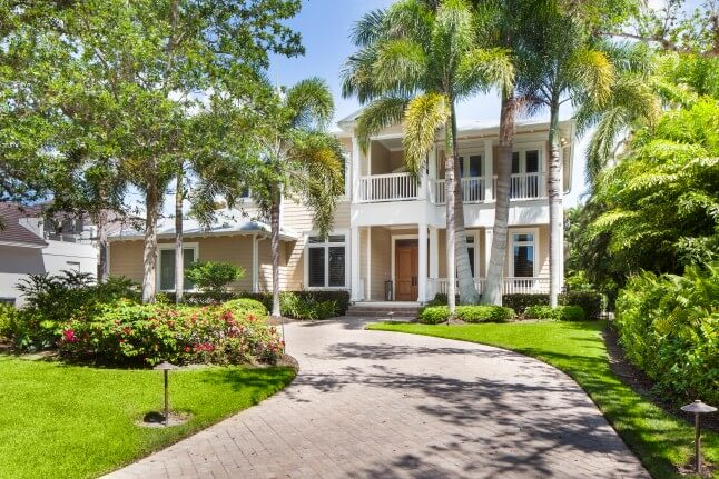 true Old Floridan style masterpiece in the heart of Naples / 4 bdr, 2 den, 5.5 baths, sleeps 10